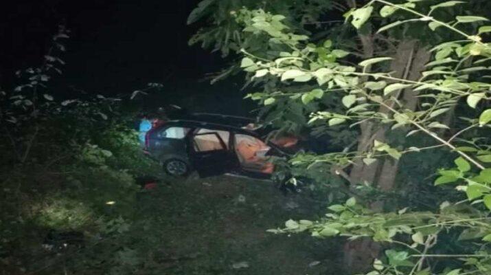 पौड़ी जिले के रिखणीखाल में गुरुवार देर रात हुए बड़ा हादसा, दो लोगों की मौके पर हुई मौत, तीन घायल 2