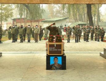 Jammu & Kashmir: Army paid tribute to Captain Ashutosh Kumar, Havildar CH Parveen Kumar and Sepoy Ryada Maheshwar who made the supreme sacrifice on 08 November 2