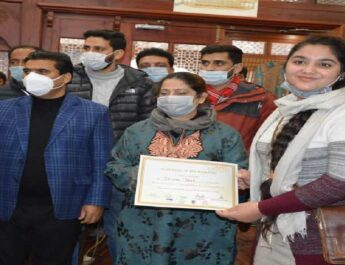 J&K Tourism: The Department's Ethnic Food festival concluded, Prizes to winners, Dept. welcomes tourists from Maharashtra 7
