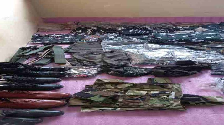 Jammu & Kashmir: HUGE QUANTITY OF BANNED UNIFORM ITEMS SEIZED BY AWANTIPORA POLICE 19