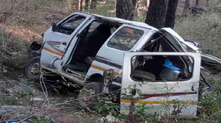 पिथौरागढ़: ब्रेक फेल होने की वजह से कार हुई दुर्घटनाग्रस्त, सभी यात्री सुरक्षित 16
