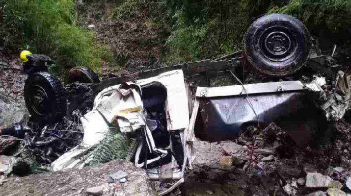 बागेश्वर: पिकप वाहन खाई में गिरने से हुई दो लोगों की मौत 11