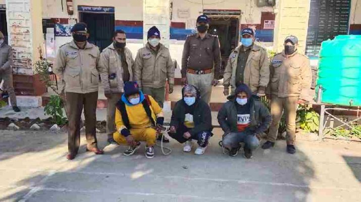 हत्या का खुलासा कर, अभियुक़्तों को 24 घण्टे के भीतर पिथौरागढ़ पुलिस ने किया गिरफ्तार, नेपाल भागने की फिराक में थे अभियुक़्त 14