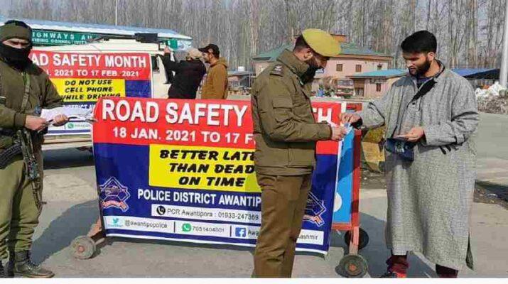 Jammu & Kashmir: 'Sadak Surakhsha Jeevan Raksha' kick started across all districts of Kashmir 2