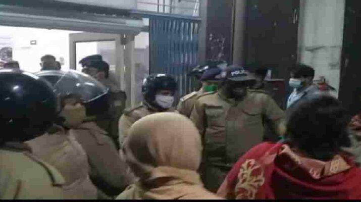 पटेल नगर: घर में घुसकर चाकू से गर्दन व सीने पर वार कर की हत्या, 3 घंटे के अंदर घटना में नामजद फरार हत्यारोपी गिरफ्तार 12
