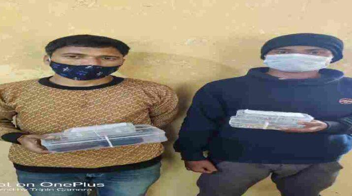 घर से लाखों रुपये के डायमंड, सोने की ज्वैलरी व नगदी चोरी करने वाले तीन अभियुक्त चोरी किए हुए माल के साथ गिरफ्तार 2