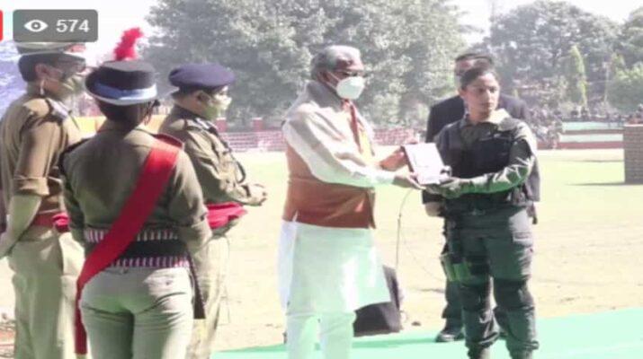 Live: उत्तराखण्ड पुलिस की महिला कमांडो फोर्स व स्मार्ट चीता पुलिस का हुआ शुभारंभ, मुख्यमंत्री त्रिवेंद्र सिंह रावत भी मौजूद 11