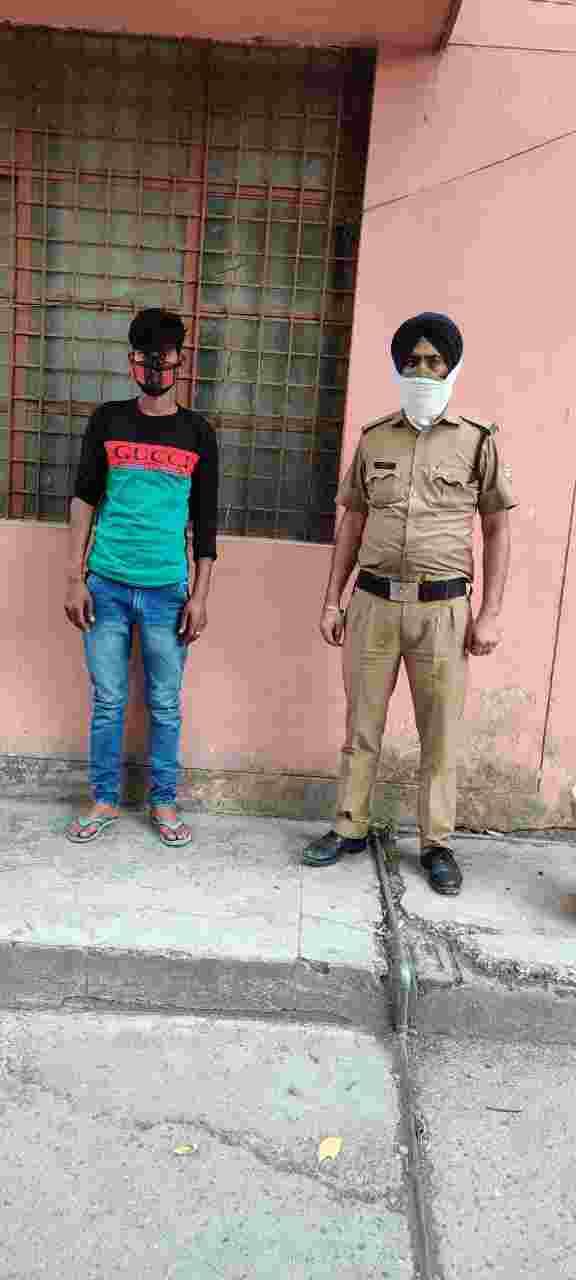 नाबालिक लड़की के साथ बहला-फुसलाकर कर दुष्कर्म करने तथा जान से मारने की धमकी देकर नकदी एवं जेवरात हड़पने वाला शातिर अपराधी गिरफ्तार 2