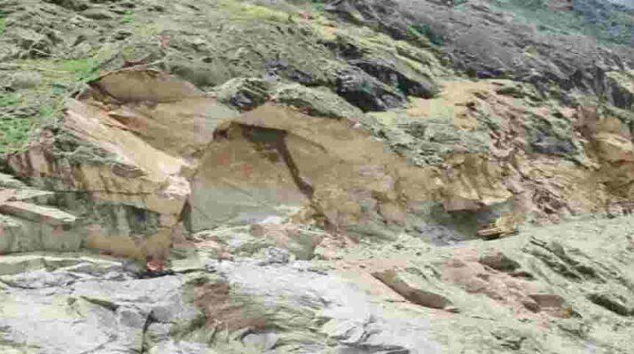 दुखद: तहसील धारचूला में भूस्खलन की चपेट में आने से 3 लोगों की मौत 12