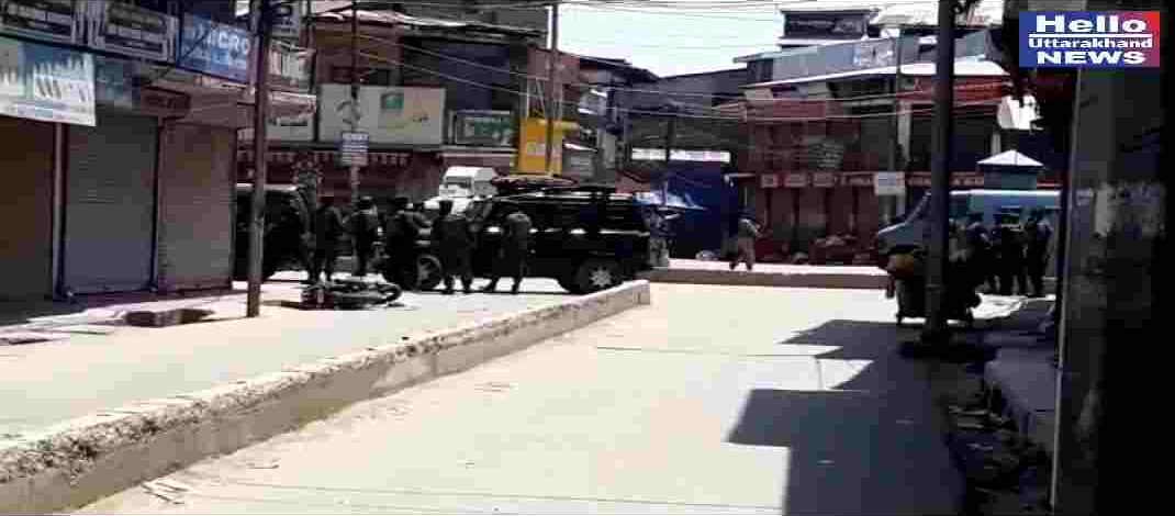 Militant attack in Sopore: 2 Cops as well as 2 Civilians Killed; 3 Policemen got Injured