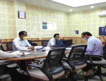 Pithoragarh: जिले में मुख्यमंत्री की शत घोषणाओं को धरातल पर क्रियान्वयन कर मूर्त रूप देना आवश्यकीय – जिलाधिकारी आनन्द स्वरूप