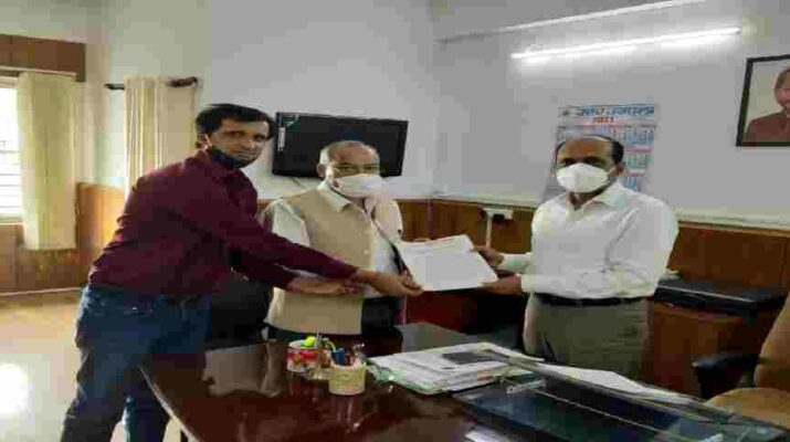 Uttarakhand: पुलिसकर्मियों का एसीपी विसंगति मामला, मोर्चा ने मुख्यमंत्री के प्रमुख सलाहकार शत्रुघ्न सिंह को सौंपा ज्ञापन 21