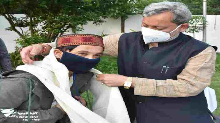 Uttarakhand: मुख्यमंत्री से मिले इंडियन आयडल (Indian Idol) फेम गायक पवनदीप राजन 1