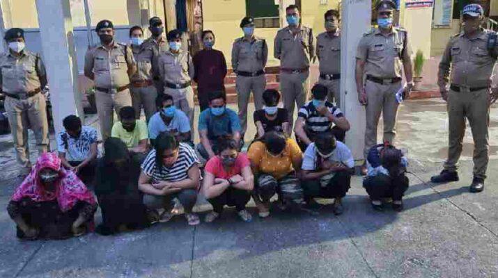 Dehradun: पटेलनगर पुलिस को मिली बड़ी सफलता, बडे स्तर पर चल रहे अवैध देह व्यापार का किया खुलासा, अबैध धन्धे मे लिप्त 07 महिलाएँ व 06 पुरुष सहित 13 व्यक्ति गिरफ्तार 23