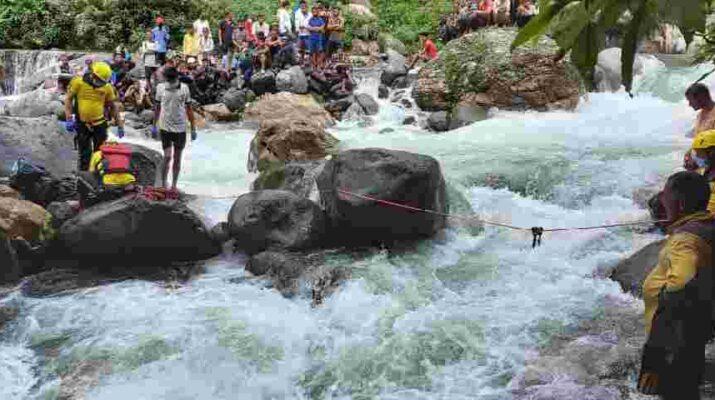 Uttarakhand: वैकल्पिक पुल को पार करते समय एक युवक की पैर फिसलने से हुई मौत, SDRF ने डूबे युवक का किया शव बरामद 18