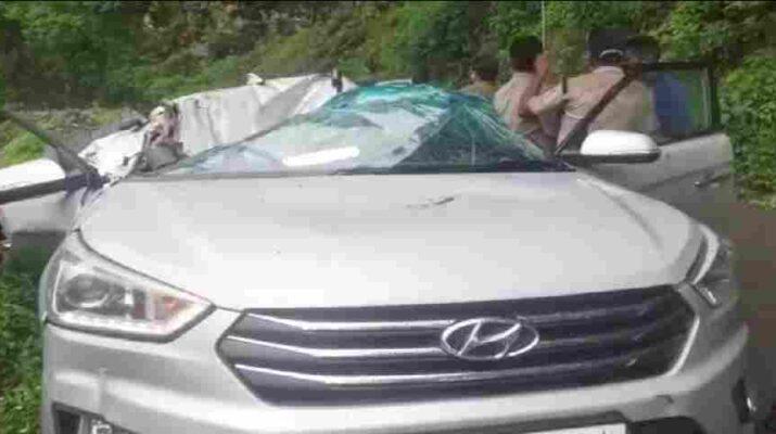Uttarakhand: कार पर बोल्डर गिरने से गुड़गांव सैलानी की हुई मौत 11