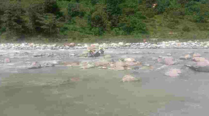 बागेश्वर (कपकोट): नदी में नहाने गये दो मासूम बहे, एक की मौत एक लापता, कपकोट हाइडिल गेट के पास नहाते समय हुए यह हादसा 13