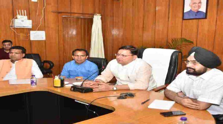 Uttarakhand: भारी बारिश के अलर्ट के मद्देनजर सीएम पुष्कर सिंह धामी ने आपदा प्रबंधन की, की समीक्षा, प्रदेश के सभी स्कूलों में सोमवार को अवकाश के निर्देश 9